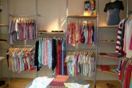 estanteras_-_tienda_textil_20110506_1492409953