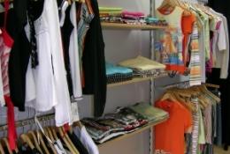 estanteras_-_tienda_textil_20110506_1857518466